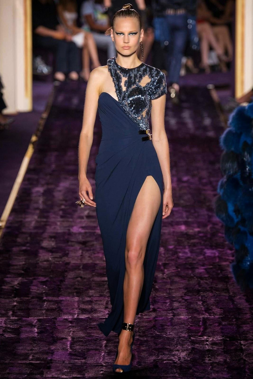 M o d e l u n a atelier versace haute couture fw paris for Haute couture atelier