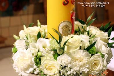 Paschał dekoracja kwiatami