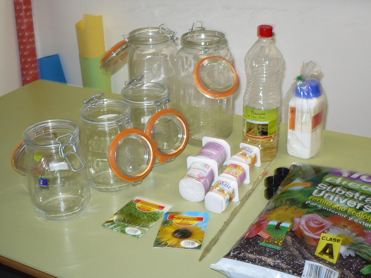 cuatro frascos de cierre hermético dos de ellos con una capacidad de