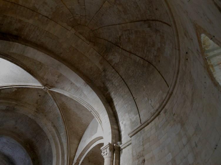 9 Eglise Haute - Abbaye de Montmajour