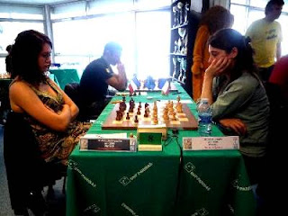 Natacha Benmesbah (2208) 1-0 Laurie Delorme (2236) - Photo © FFE
