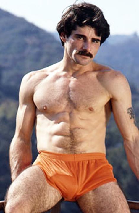 Another retro orange Dolfin shorts guy. Kinda sad to think that Hooters ...