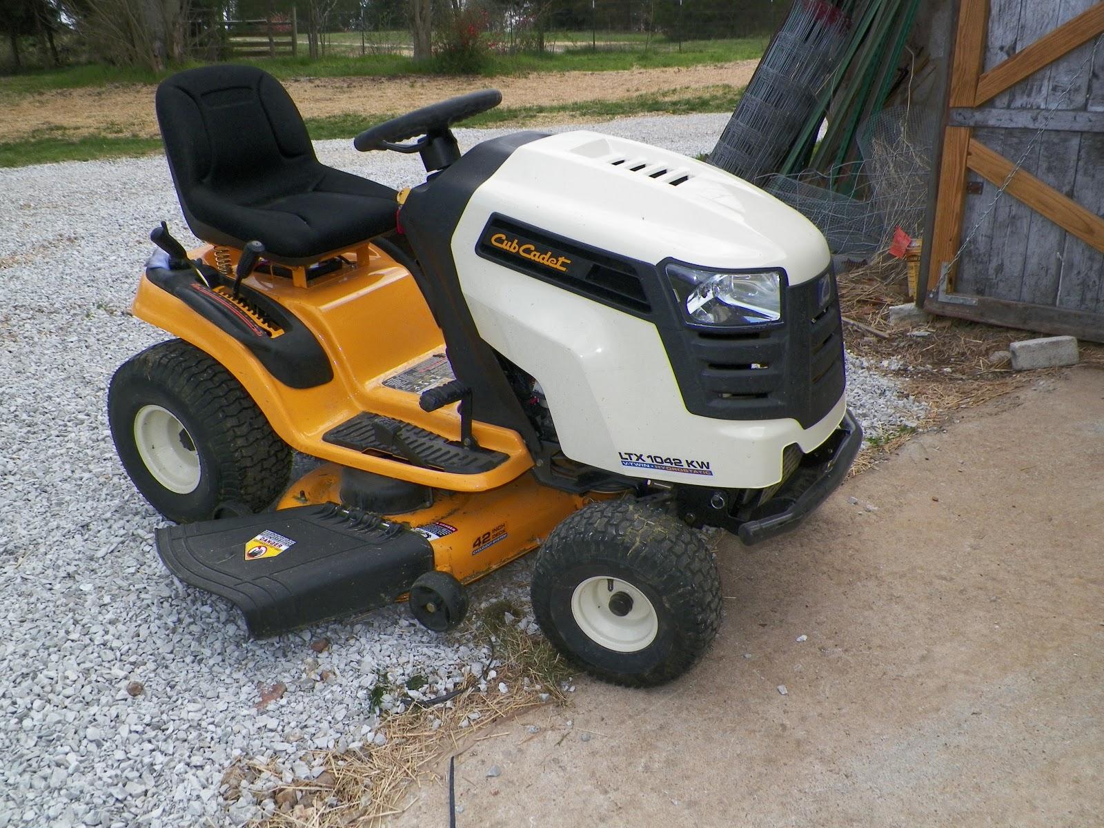 Cub Cadet Ltx 1042 Kw Lawn Tractor : Simple life a new mower