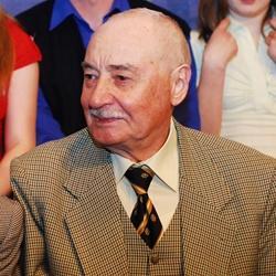 """Юбиляр Равил Шәрәфиев: """"Спектакль - минем өчен изге"""" (ИНТЕРВЬЮ)"""