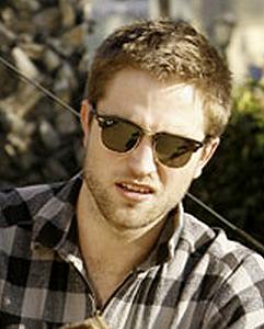 Robert Pattinson  Haircut on New Buzz Cut Hairstyle Of Robert Pattinson   Hairstyle Haircut