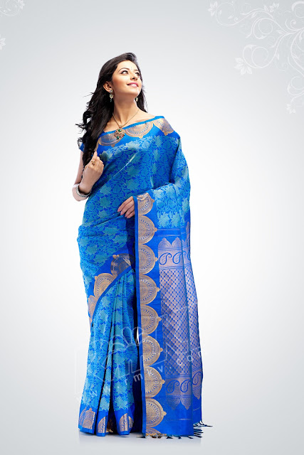 Some of these include the Kancheepuram or the Kanjivaram silk sari and the Mysore silk saree that hail from the south. Muga silk sari and Benarasi silk saree are typical to the east India, especially the latter being popular in Varanasi/Banaras