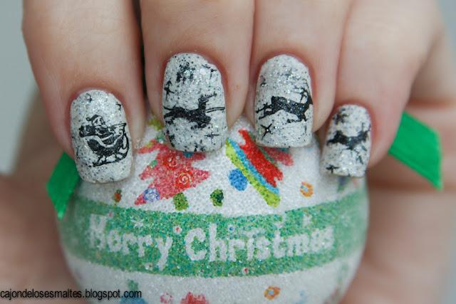 christmas nail art santa sleigh and reindeer - stamping moyou