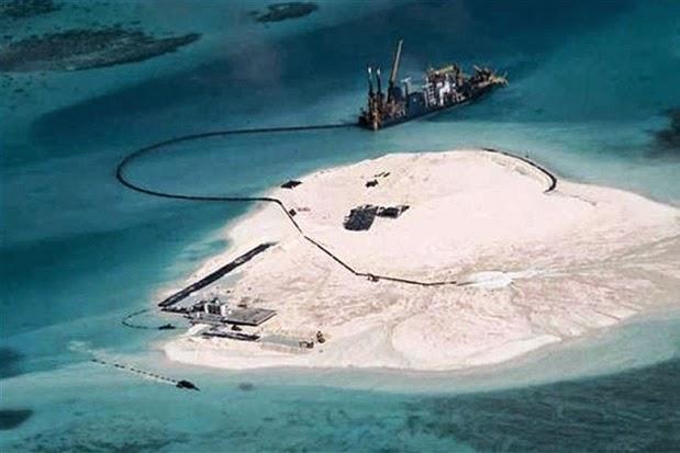 Gạc Ma từ ảnh chụp của vệ tinh với sự xuất hiện của hoạt động xây dựng