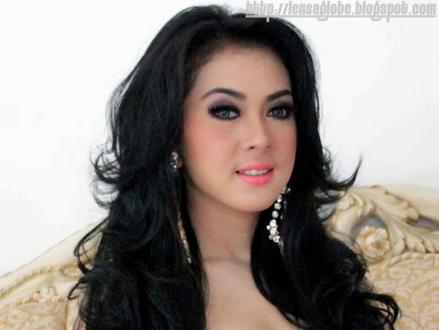 Syahrini cantik - lensaglobe.blogspot.com