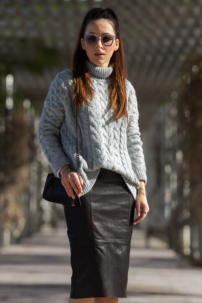 Urban chic outfit in leather and wool by spanish blogger withorwithoutshoes