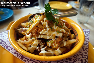 Beef Tapa and Crispy pork Garlic Fries at MoMo Cafe Ayala Triangle Gardens