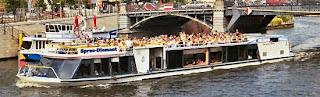 Schiffsverkehr: Umweltplakette verliehenSchluss mit Ruß auf dem Fluss, aus Berliner Zeitung