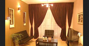 7 interior ruang tamu kecil dengan nuansa sederhana