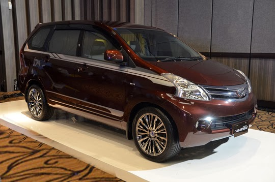 Toyota All New Avanza Veloz M/T Manual, A/T Automatic 2013 di Toyota