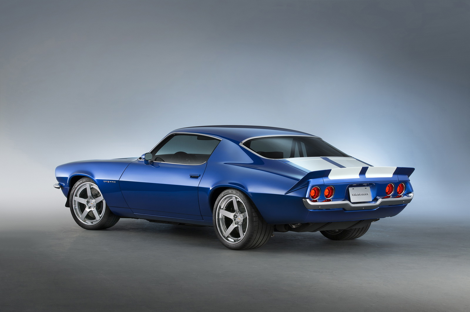 Classic Chevrolet Camaro Goes Wild With Modern