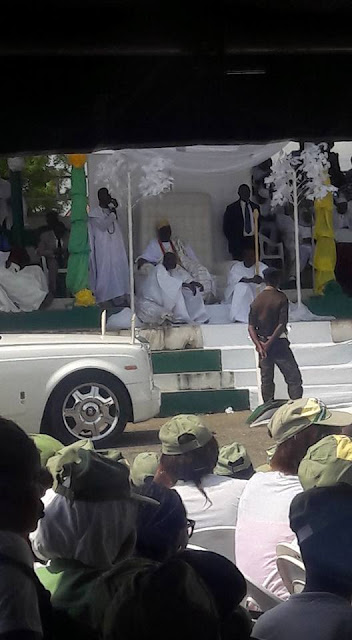 PHOTOS: Ooni Of Ife Visits NYSC Camp In Ede, Osun State 15380732_1279821935402732_7677055653389481626_n