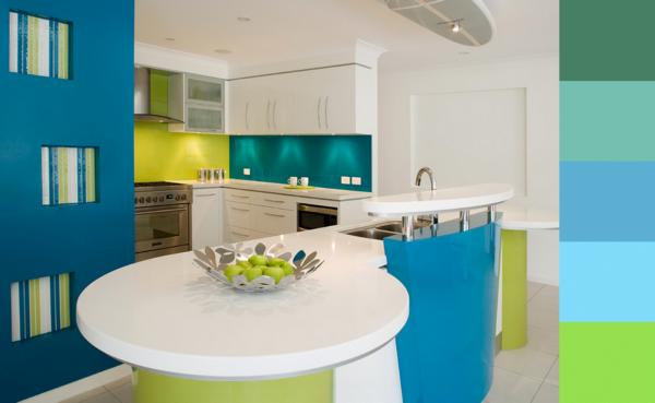 cocina decoradas en blanco, azul turquesa y verde limón