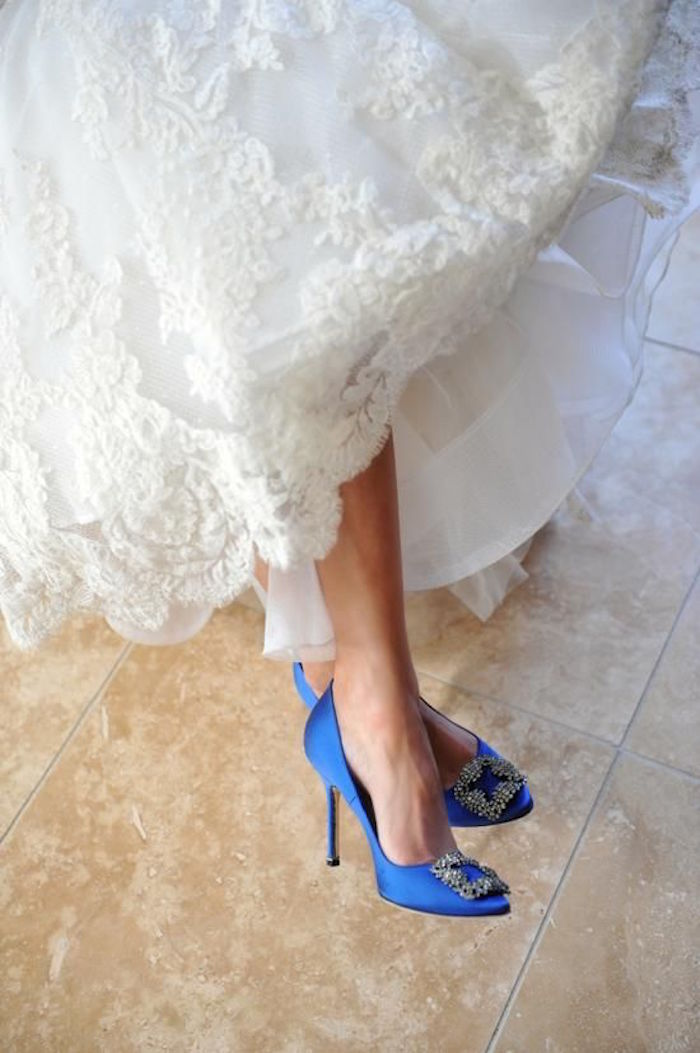 Manolo blahnik standout blue wedding shoes bridal and dresses trend manolo blahnik baby blue bridal wedding shoes junglespirit Image collections
