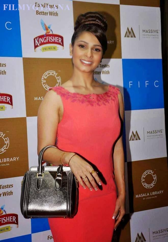 tanisha looks hot in red dress