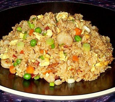 bahan yang diperlukan 250 gram nasi putih jangan pilih nasi goreng