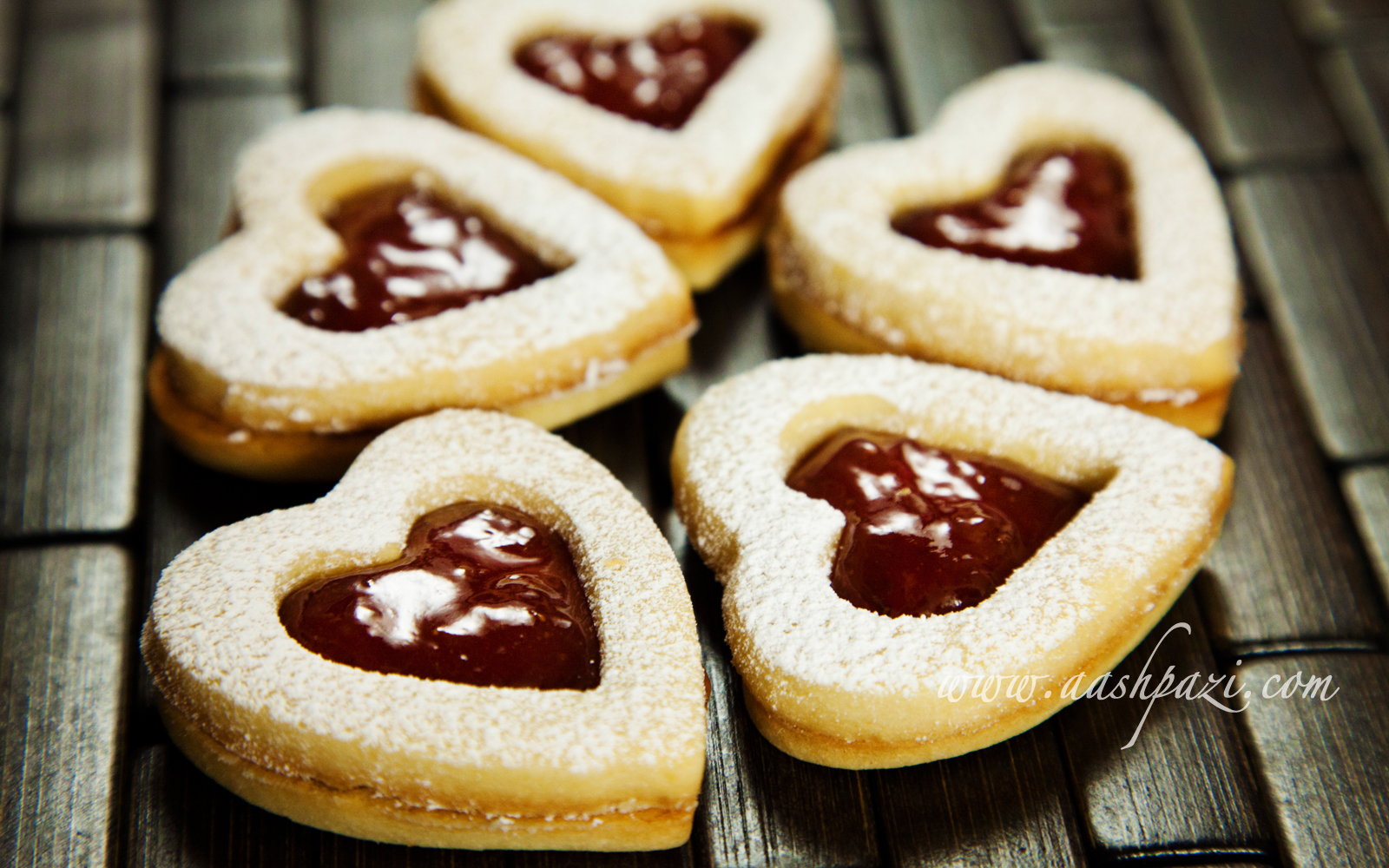 Linzer Cookies Recipe | aashpazi