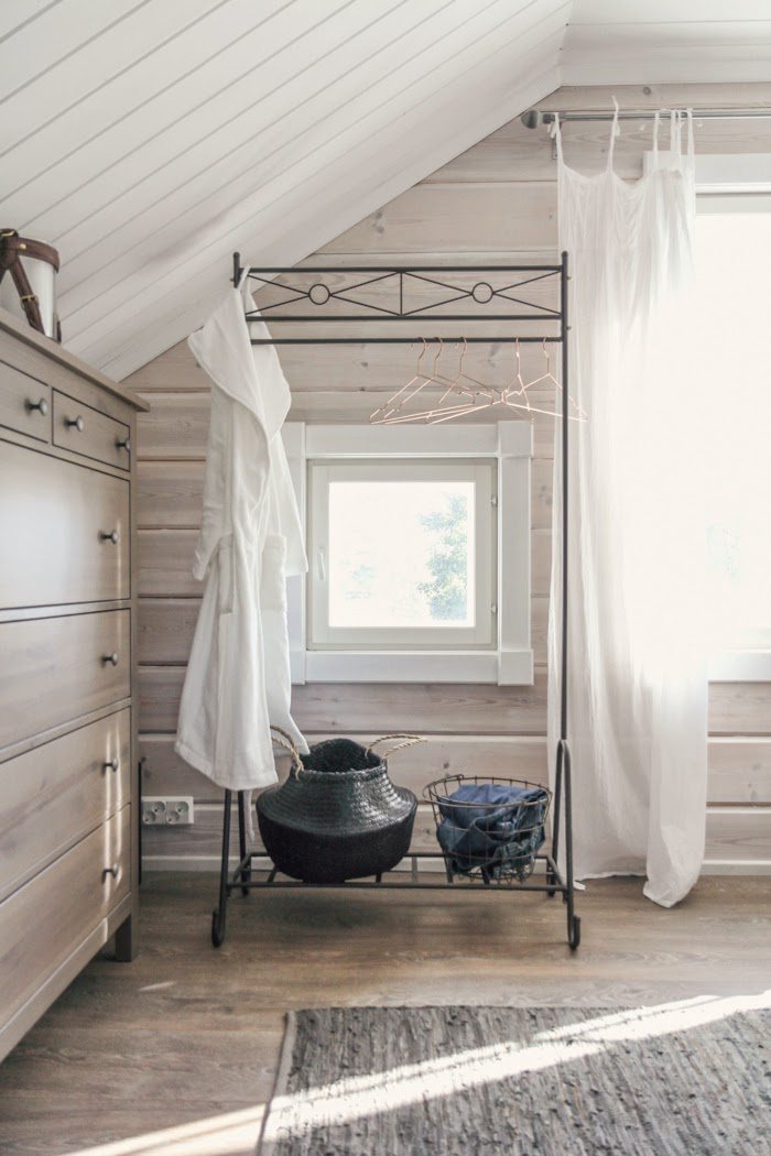 bedroom interior, scandinavian interior, log home, log cabin
