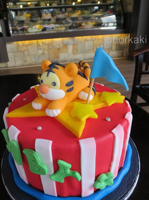 Designer-Fondant-Cakes-Johor-Bahru