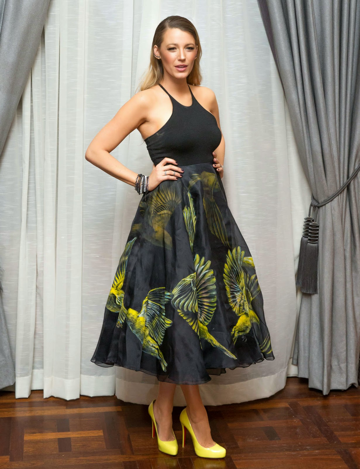 Blake Lively is gorgeous at the Marchesa NYFW Fall/Winter 2015 Show