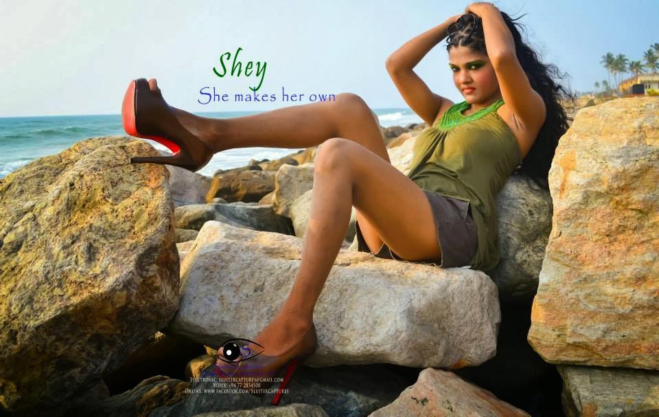 Shey Marina sexy legs