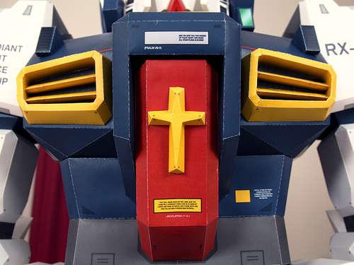 robot hecho con cajas de carton
