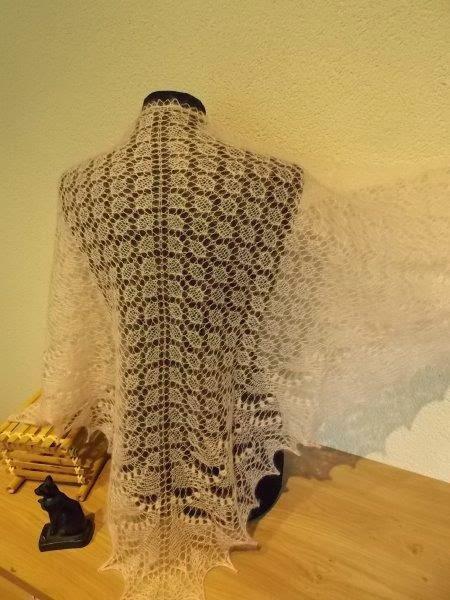 TE KOOP: pastel licht roze kidsilk wol/zijde shawl