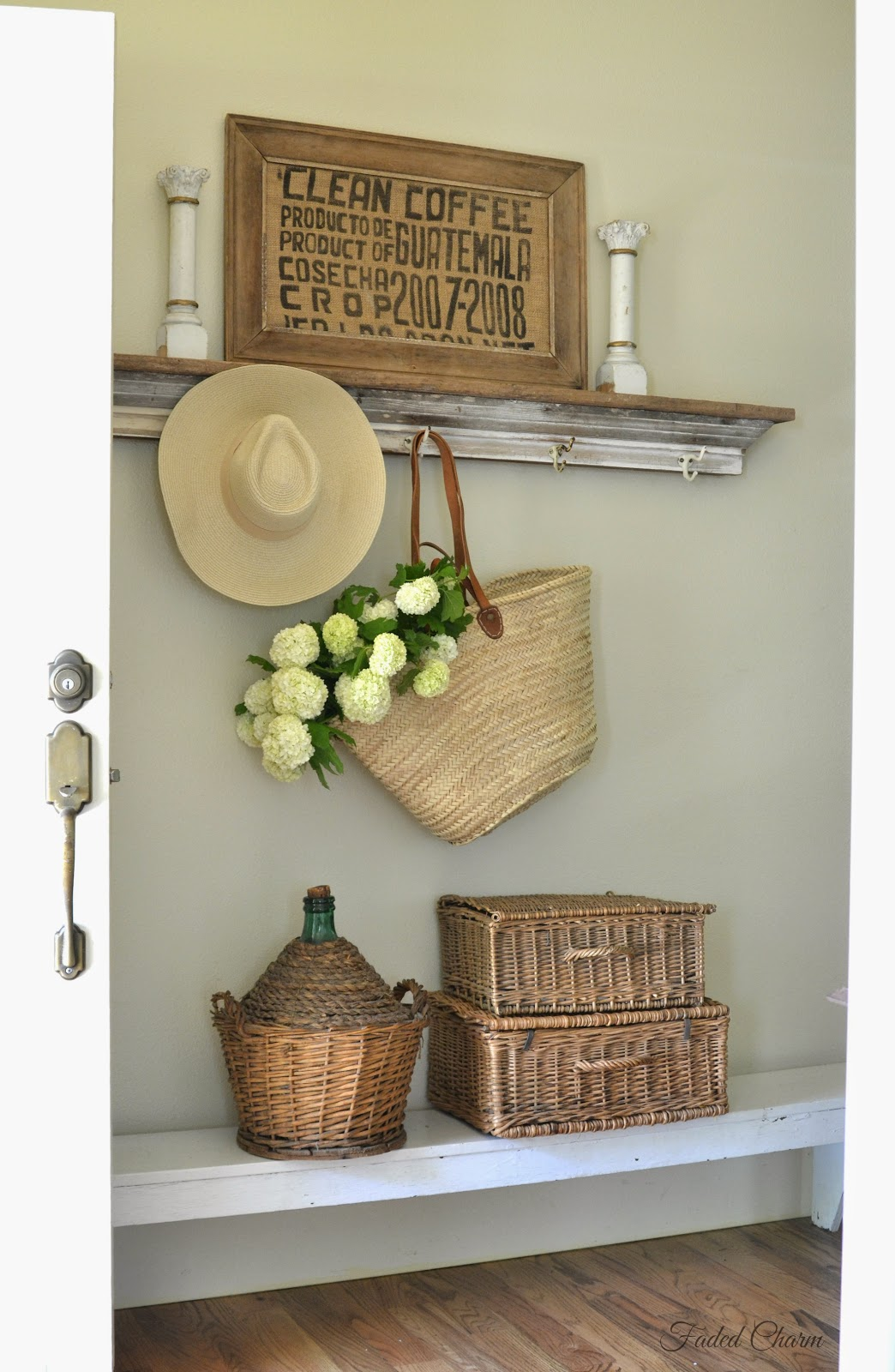 FARMHOUSE TOUR – Faded Charm