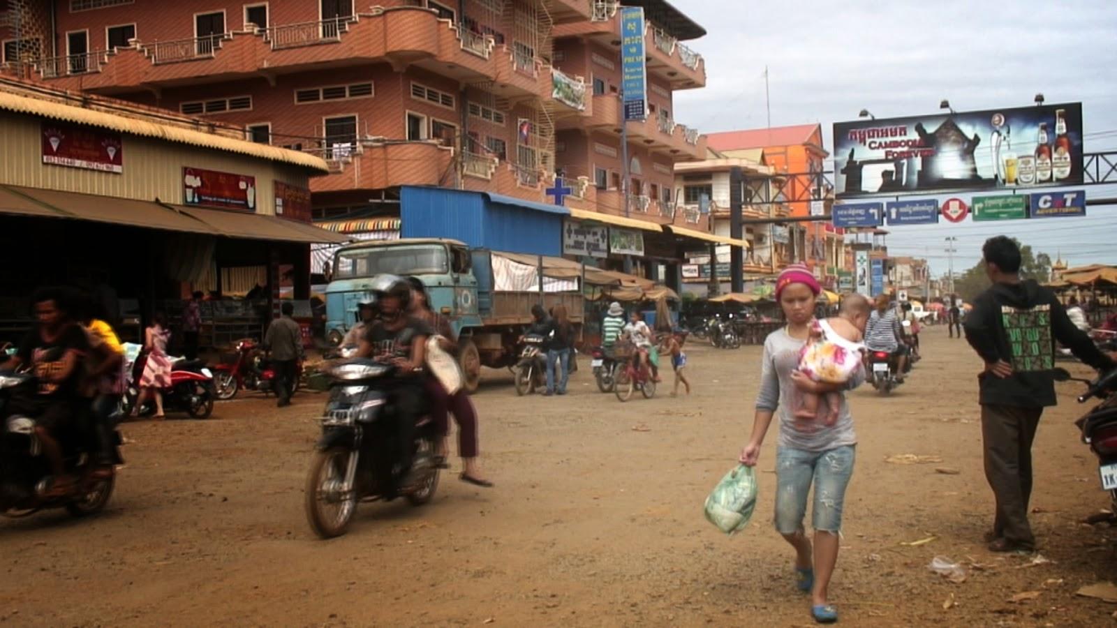 Cambodge, production vidéo, presse, filmmaker, documentaires, documentaries, Christophe Gargiulo, Kampuchéa, Cambodge Mag, magazine, Tonle Sap, articles, nouvelles, video production, Cambodia, KiamProd, KiamProd photography, KiamProd movies,KiamProd music,  revues de presse, vietnam, thaïlande, birmanie, Myanmar, Lao, Laos, Burma, Chine, China. photographies, visages khmers, khmer faces, market, marché, Phnom Penh, nouvel an khmer, Khmer New Year, Ratanakiri, Banlun