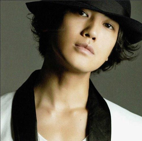 http://4.bp.blogspot.com/-wS2LmPlxtA0/Ugt7wjXF1TI/AAAAAAAAJrs/1pZ3FP4TCzM/s1600/%5BBOOKLET%5D+Jin+Akanishi+-+Hey+What%27s+Up+(7).jpg