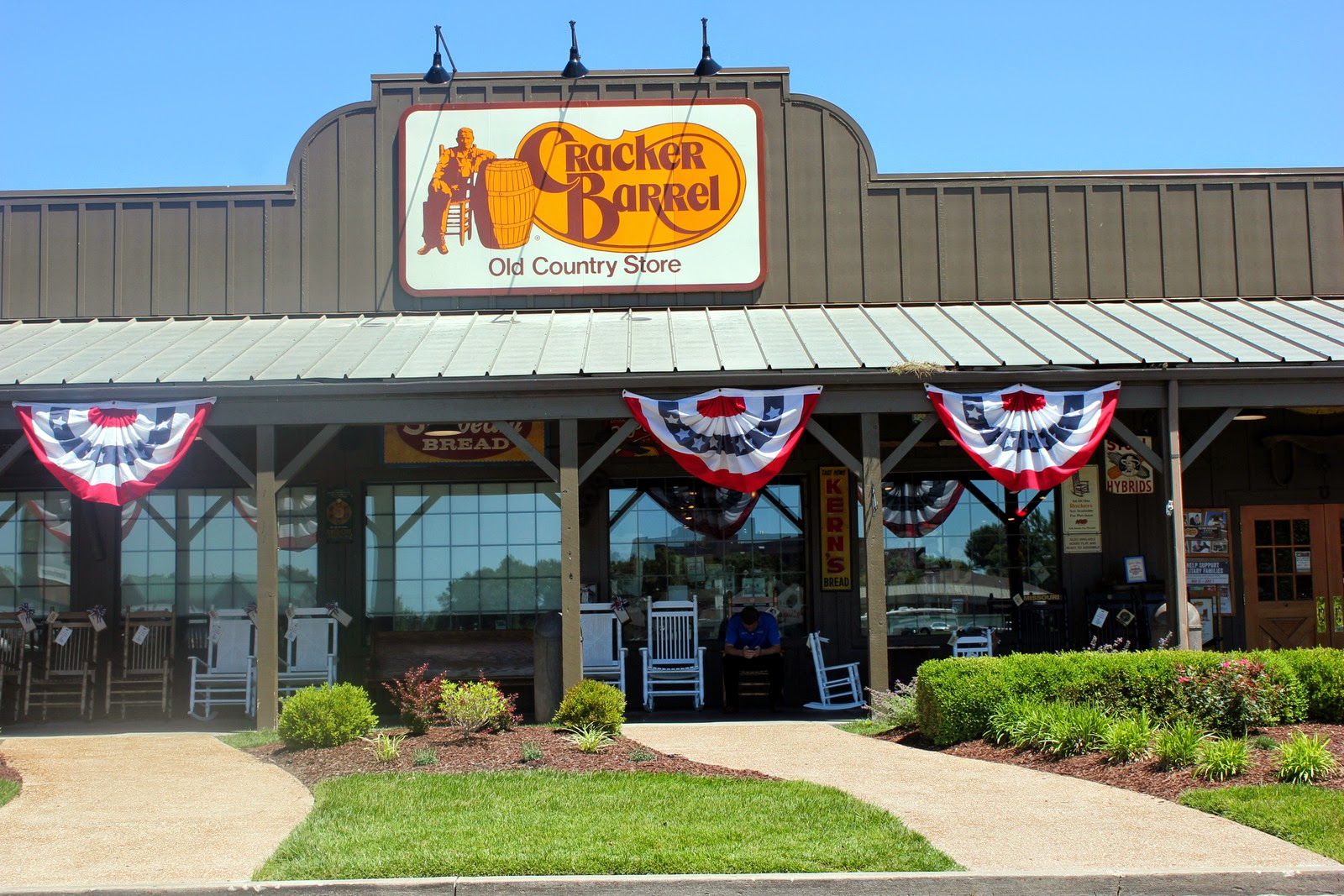 Top 28 cracker barrel u cracker barrel opens first for American cuisine restaurants near me