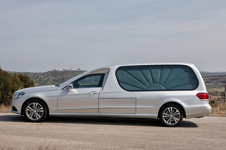 Limousine funéraire AURA
