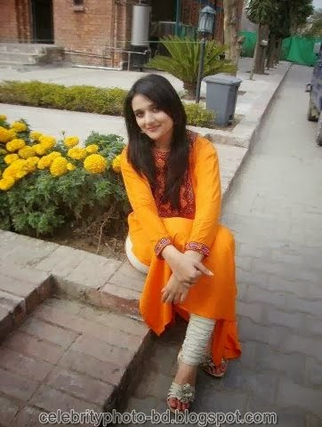 Deshi+girl+real+indianVillage+And+college+girl+Photos055