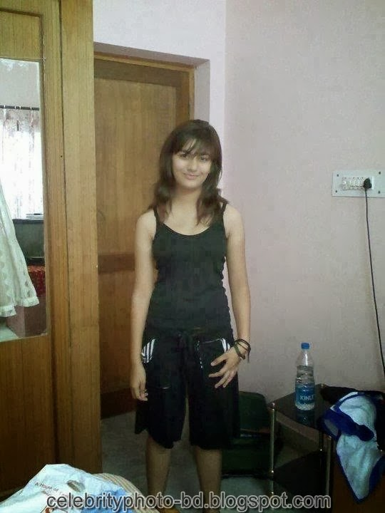 Deshi+girl+real+indianVillage+And+college+girl+Photos031