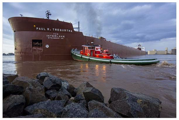http://www.mprnews.org/story/2014/09/20/longest-ship-on-lake-superior-runs-aground-in-duluth-harbor
