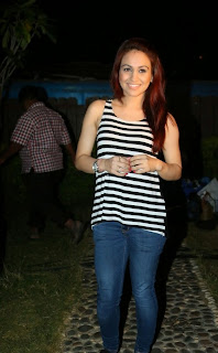 Aksha Pardasany Latest Pictures in Jeans at AIINA Women Awards 2014 Curtain Raiser ~ Celebs Next