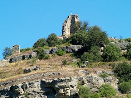 Zoom al Castell de Calders després de passar el trencall de Malniu
