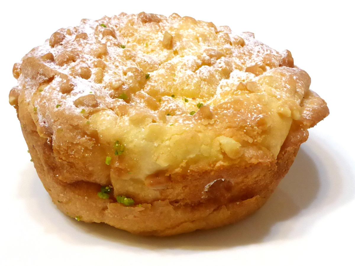 桃のクリームパン | DONQ(ドンク)