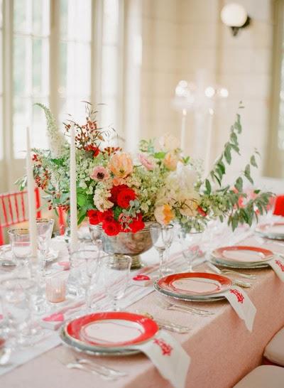 decoracion banquete de boda en rojo y blanco