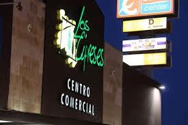El centro comercial Los Cipreses el primero de Salamanca