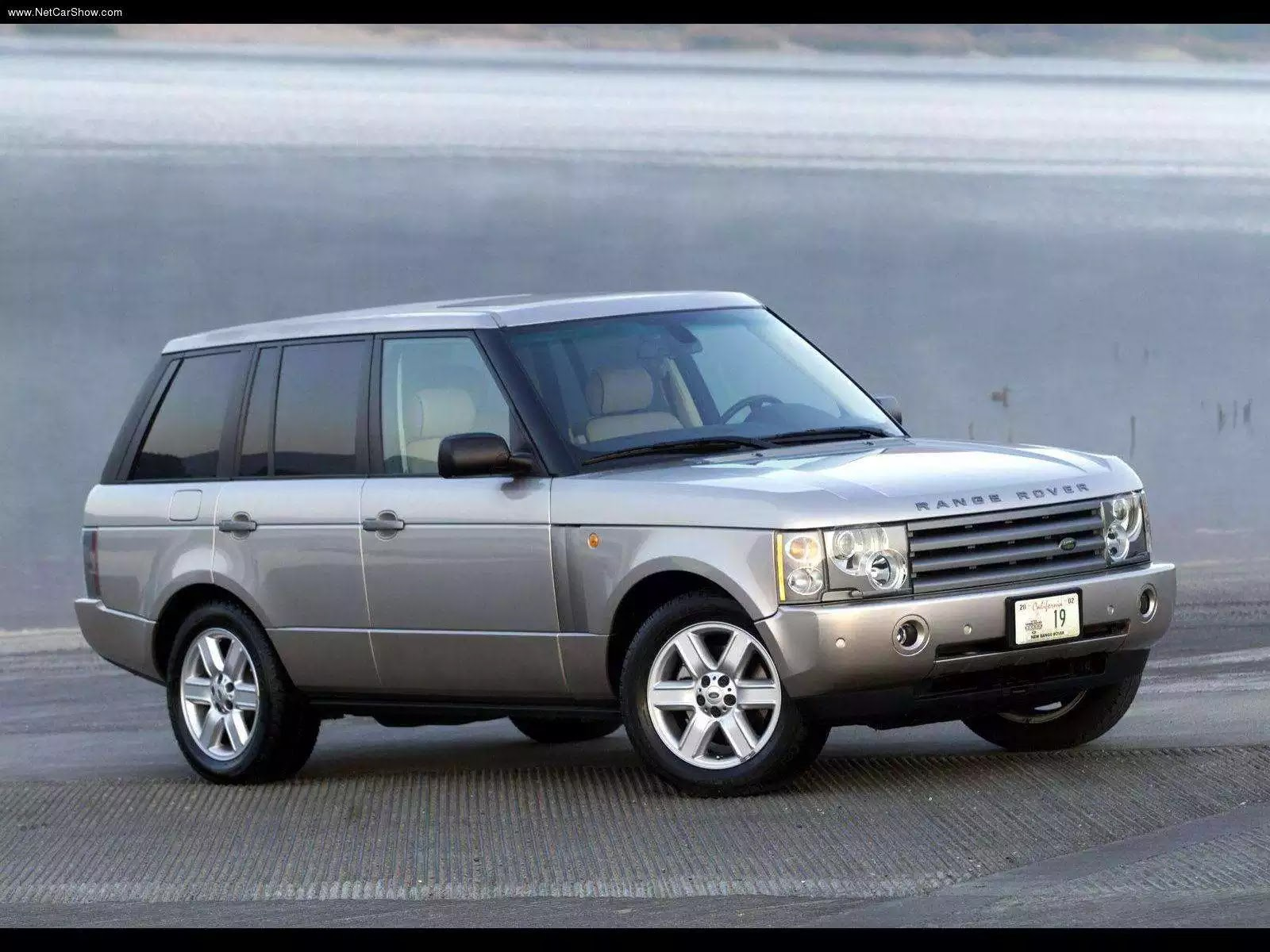 Hình ảnh xe ô tô Land Rover Range Rover 2003 & nội ngoại thất