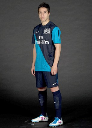 samir%20nasri%20new%20arsenal%20kit%20aw