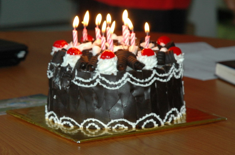 kue ulang tahun tak punya cukup waktu untuk membuat kue ulang tahun ...