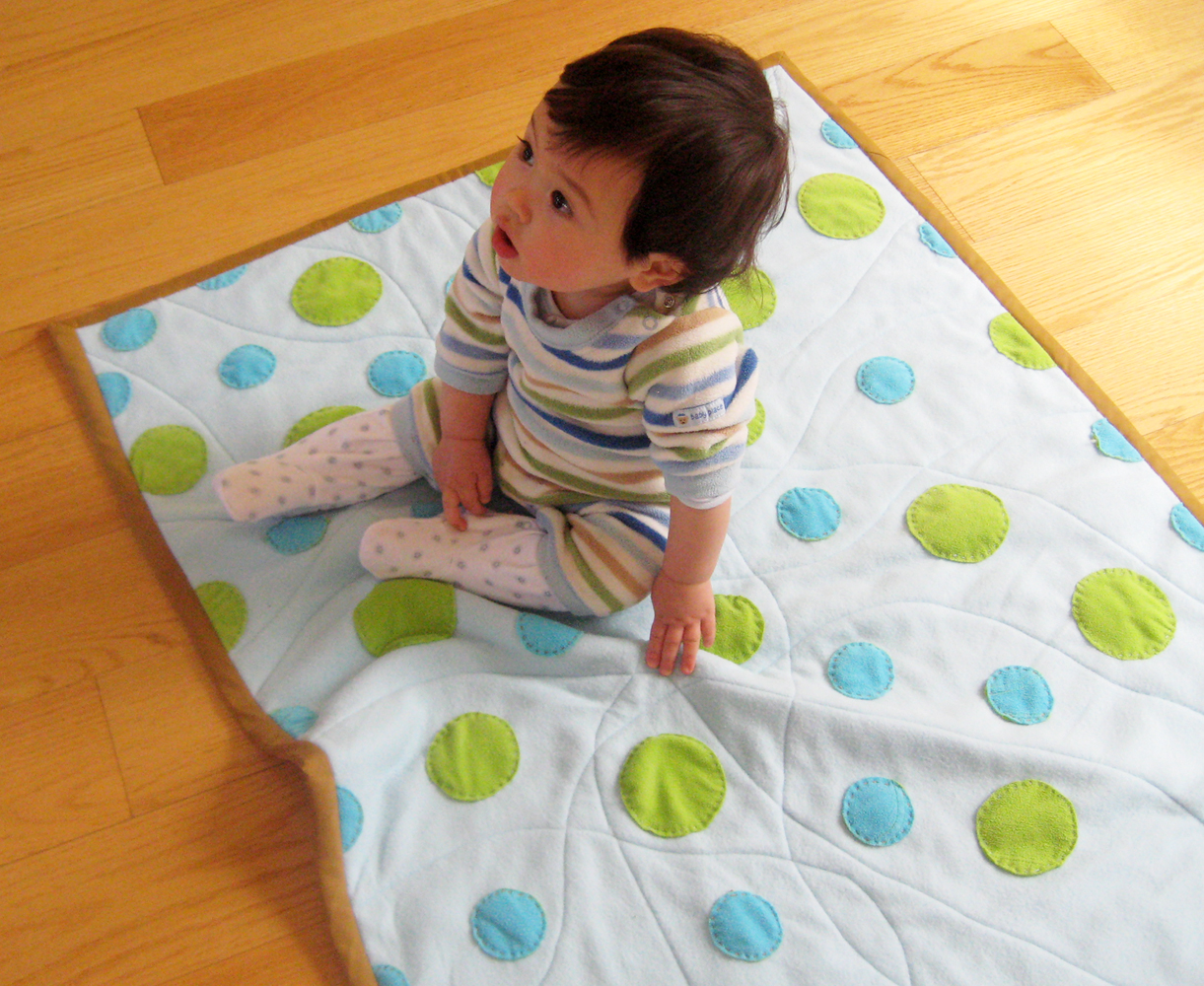 how to make quilt from old clothes