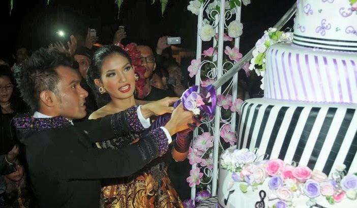 Berikut adalah Hasil Foto-Foto Pernikahan Judika dan Duma Riris :