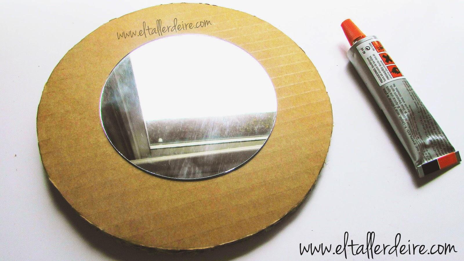 C mo hacer marcos de espejos con conchas el taller de ire for Como decorar un espejo rectangular sin marco